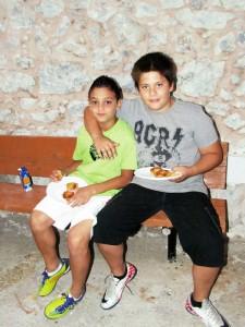 Τα ξαδέλφια Νικόλας και Κωνσταντίνος
