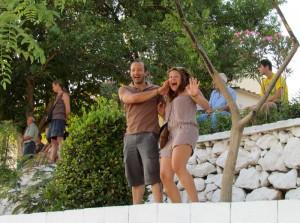 Οι νιόπαντροι Βαγγέλης και Χριστίνα δεν μπορούν να κρύψουν τον ενθουσιασμό τους για την ομάδα του Κρεμαστού!