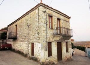 Ένα από τα όμορφα σπίτια του χωριού